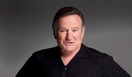 Δείτε ποιοι επώνυμοι παρευρέθηκαν στο μνημόσυνο για τον μεγάλο Robin Williams.