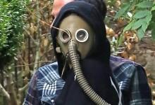 Έχουν τρελαθεί! Ποιό πασίγνωστο μοντέλο κυκλοφορούσε φορώντας μάσκα αερίου;