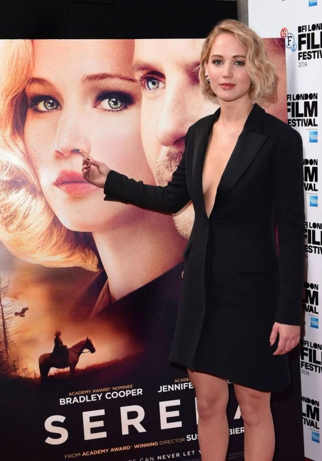 Jennifer-Lawrence-sticks-her-finger-up-her-own-nose-at-Serena-premiere