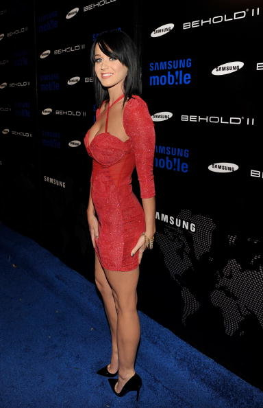 Katy-Perry-looked-red-hot-Samsung-Behold-II-launch-event-LA