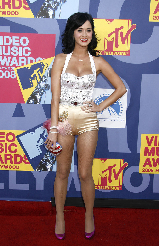 Katy-Perry-stepped-onto-red-carpet-September-2008-MTV