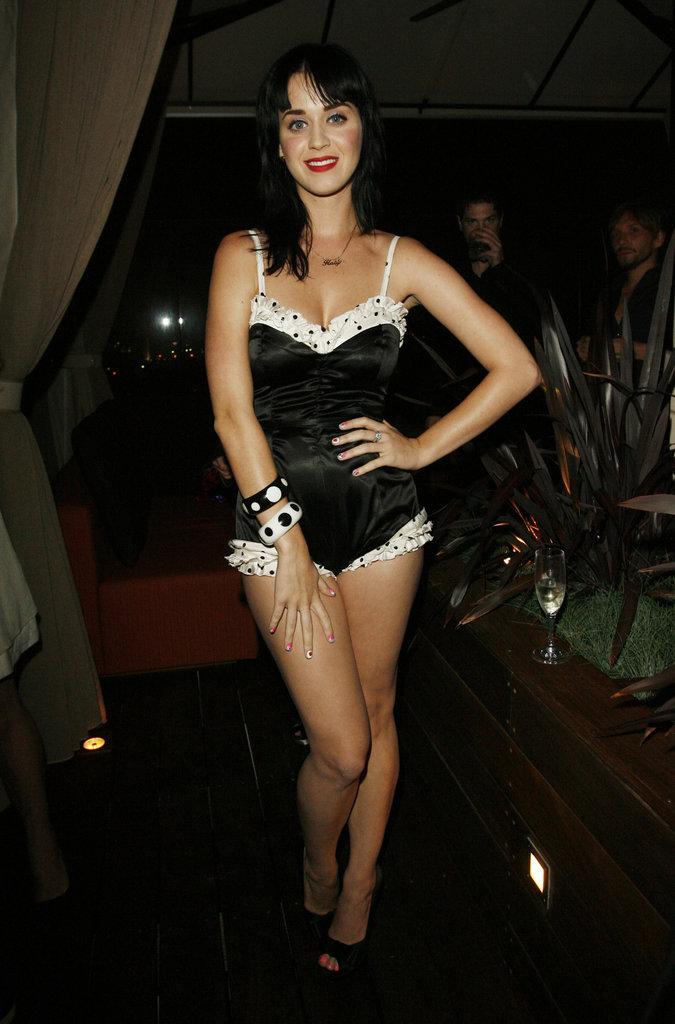 Katy-Perry-went-black-white-LA-dinner-honoring-Rihanna