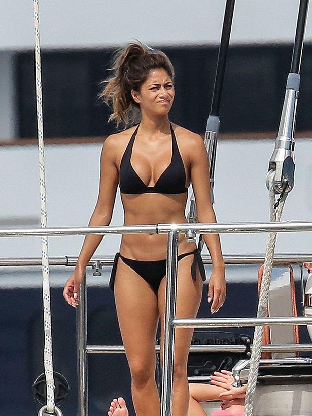 Nicole-Scherzinger-in-a-bikini