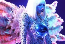 Απίστευτη γκάφα από την Lady Gaga στη συναυλία της στο Λονδίνο!