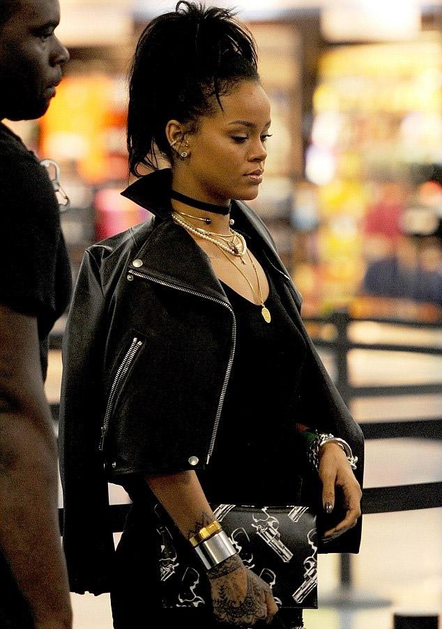Rihanna_miami_1