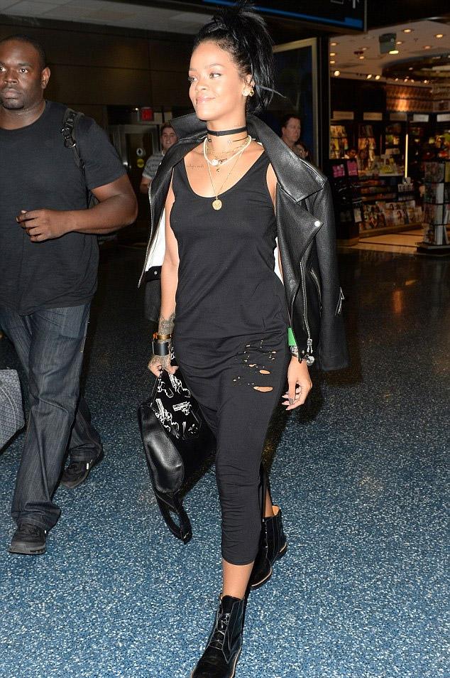 Rihanna_miami_5