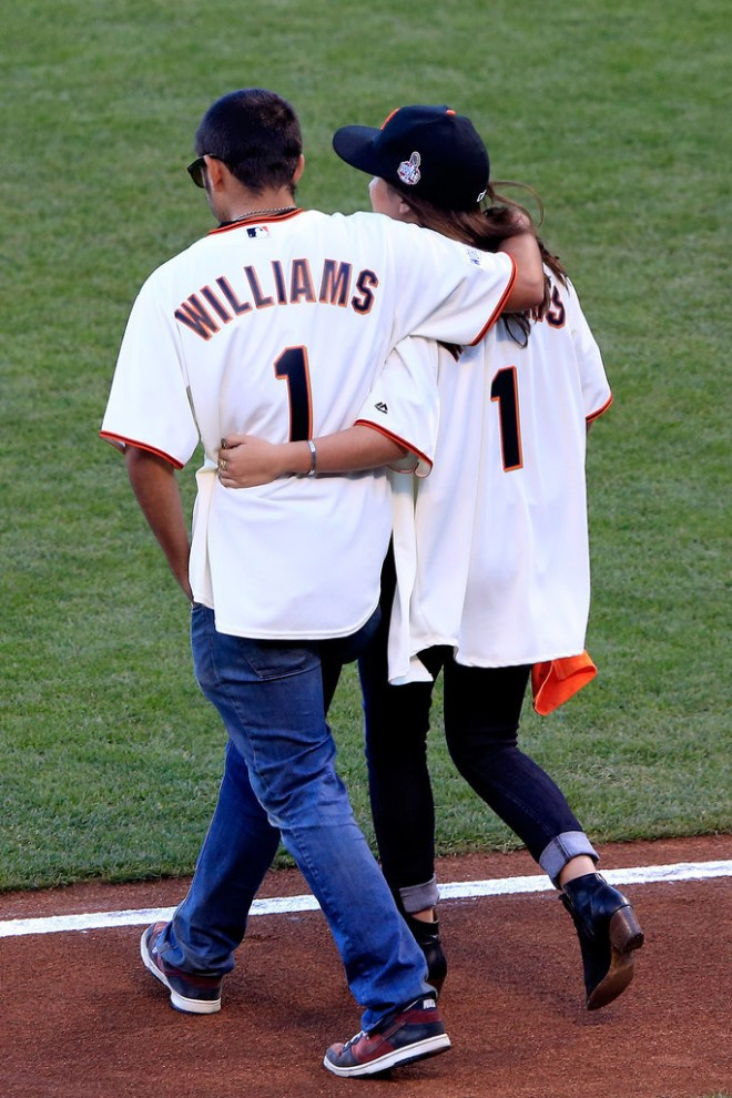 Robin-Williams-Honored-Giants-World-Series-Pictures (3)