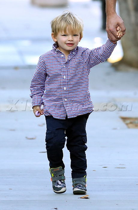 Samuel Affleck loves spending time with daddy Part 3
