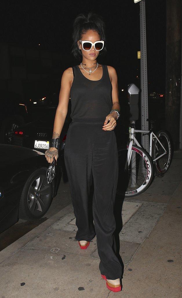 Saturday-Rihanna-wore-her-sunglasses-night-LA