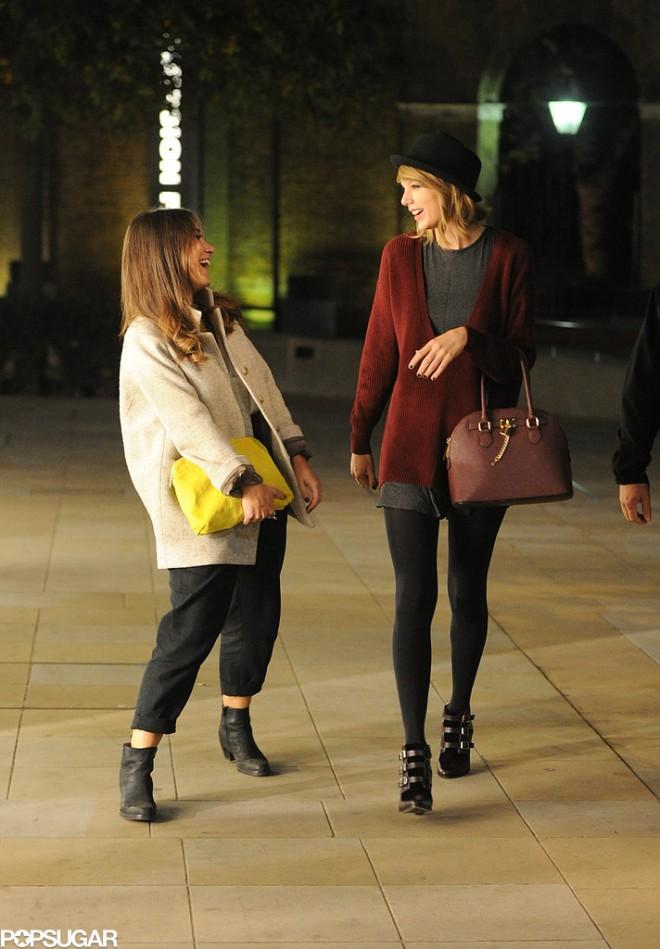 Taylor-Swift-had-smiley-moment-London-Saturday