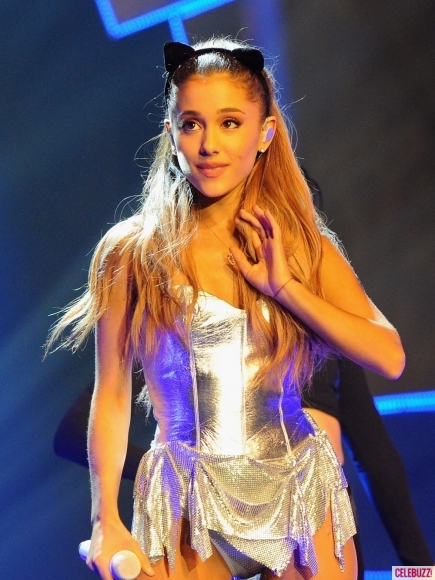 ariana-grande-radio-one-teen-awards-photos-10192014-02-435x580