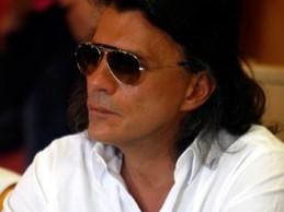 Ψινάκης στο δημοτικό συμβούλιο Μαραθώνα: «Άσε μας κουκλίτσα μου»!