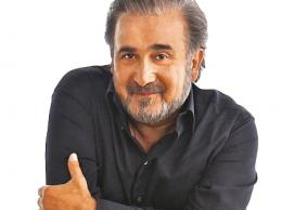 Λάκης Λαζόπουλος: «Ο Σταύρος Θεοδωράκης μου μοιάζει πιο χαζός ακόμη κι απ' τον Γιωργάκη»
