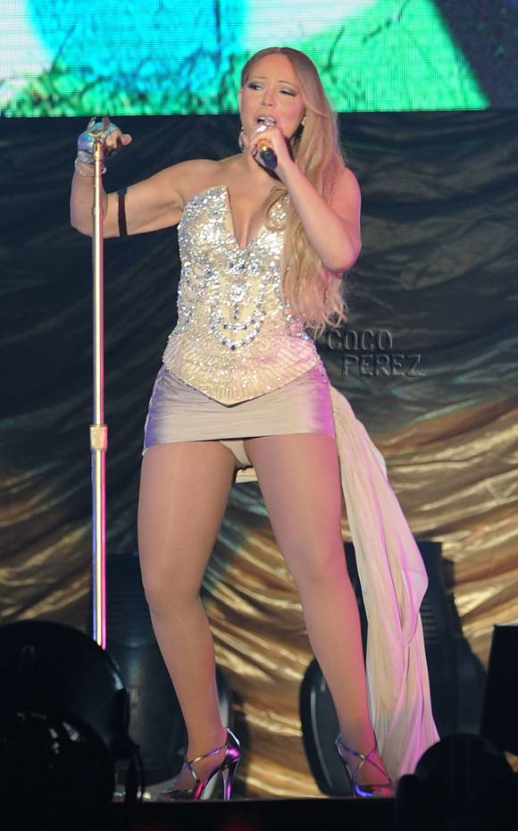 mariah-carey-china-concert-short-skirt-uncensored__oPt