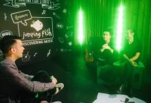 Απόψε στις 19.00 στο Jumping Fish Studio από την COSMOTE, οι AuXdience!