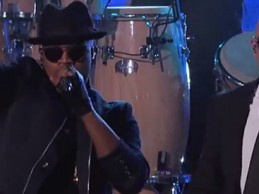 Pitbull και Ne-Yo προσφέρουν απίστευτο show στην εκπομπή του Jimmy Kimmel! Δείτε τους