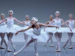 Τέλειο! Δείτε μια ξεκαρδιστική παρωδία του «Shake It Off» της Taylor Swift!