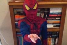 Τρομερός πιτσιρικάς! Δείτε τον οκτάχρονο Spiderman που αψηφά τη βαρύτητα και δεν χρειάζεται «ιστό»