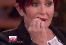 Απίστευτη στιγμή: Της ξεκόλλησε το δόντι στην εκπομπή της