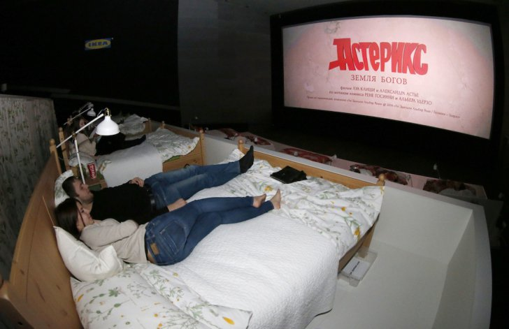 cinema-bed-moscow-2