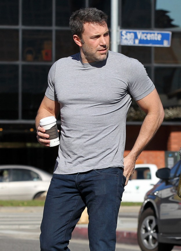 Ben-Affleck-shirt-seriously-underestimated-what-signed-up