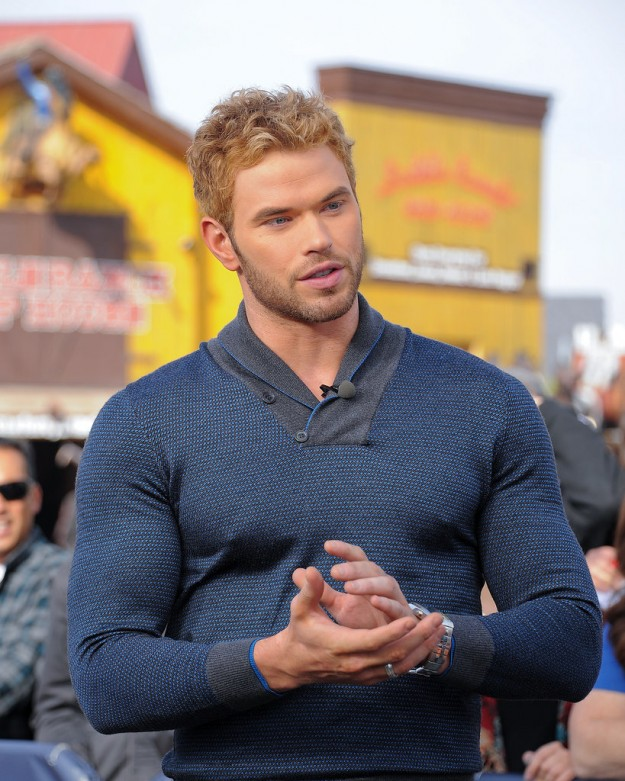 Kellan-Lutz-once-wore-sweater-probably-still-recovering-from-containing-much-muscle