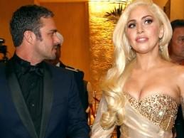Το…κρυφό μήνυμα του μονόπετρου της Lady Gaga! Τι αναγράφει στην πίσω πλευρά του;