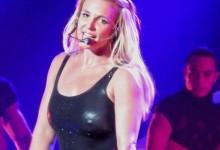 Δεν υπάρχει! Έφυγε το…μαλλί της Britney Spears την ώρα συναυλίας της! Δείτε τη