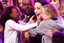 Δείτε την πρώτη, συγκινητική δημόσια εμφάνιση της Angelina Jolie μετά την επέμβασή της!