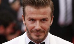 O ημίγυμνος David Beckham που έριξε το Internet