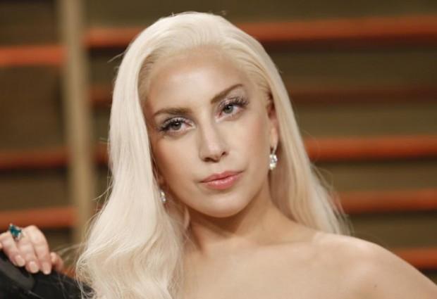 Δείτε το σούπερ σέξυ ατύχημα της Lady Gaga στο κέντρο της Νέας Υόρκης! Όλα στη φόρα