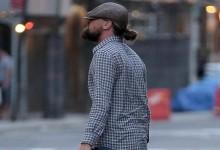 Αγνώριστος και με τραγιάσκα ο Leonardo DiCaprio στους δρόμους της Νέας Υόρκης! Δείτε τον