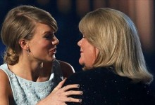 H μητέρα της Taylor Swift διαγνώστηκε με καρκίνο κι αυτά που είπε πραγματικά συγκλονίζουν!