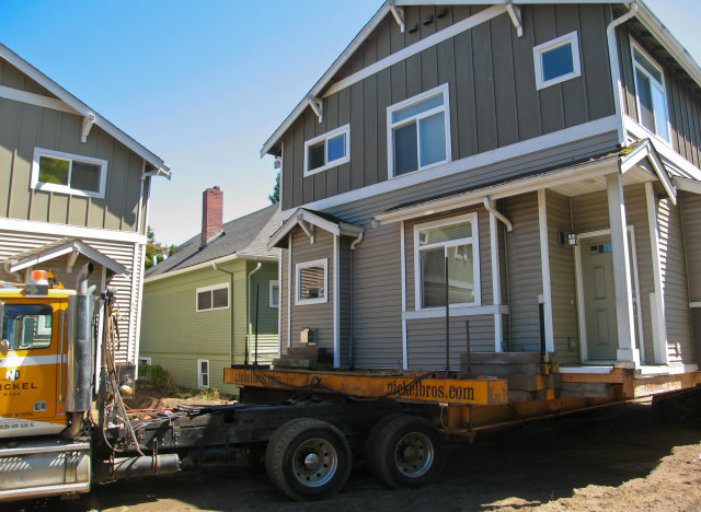 n-MOVING-HOUSE-large640