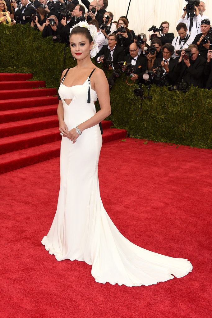 Selena-Gomez-Met-Gala-2015-Pictures-1
