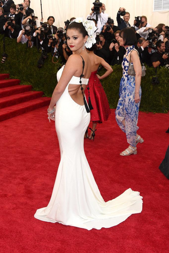Selena-Gomez-Met-Gala-2015-Pictures