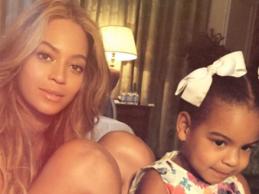 H Beyonce και η Blue Ivy πιλοτάρουν ελικόπτερο!