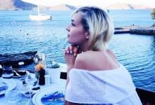 Στο Elounda Peninsula για διακοπές η Polina Gagarina!