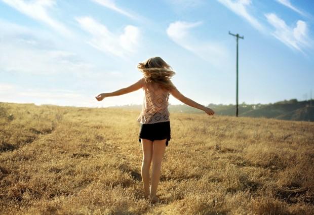 10 τραγούδια που θα σου ανεβάσουν τη διάθεση τις μέρες αυτές