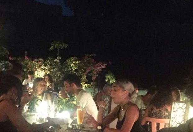 Η κόρη της Madonna στην Ελλάδα! Δείτε τις αποκλειστικές φωτογραφίες
