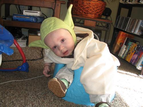 yoda-baby-costume-cute-3