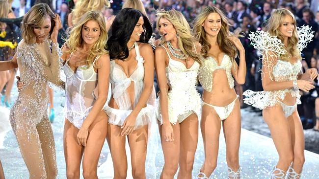 3373148ec - Victoria's Secret Fashion Show, New York, America - November 13, 2013.  Pictured: Finale on the catwalk Ref: SPL650806  131113   Picture by: Rex Features / Splash News  Splash News and Pictures Los Angeles:	310-821-2666 New York:	212-619-2666 London:	870-934-2666 photodesk@splashnews.com