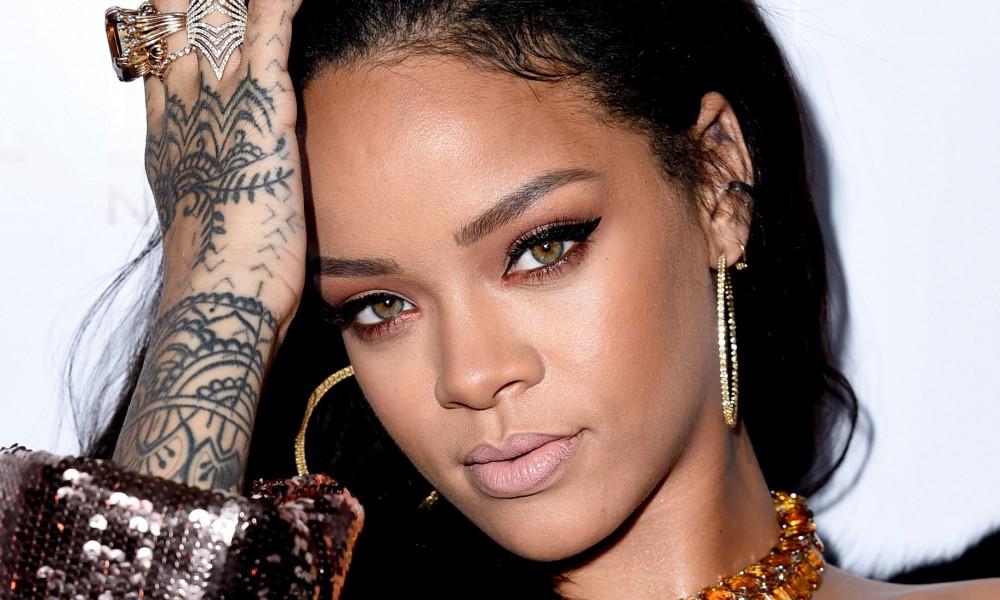 Η νέα super sexy φωτογράφιση της Rihanna