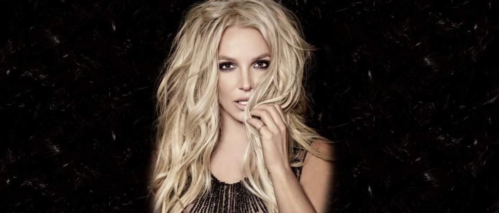 Britney Spears κατηγορεί παπαράτσι
