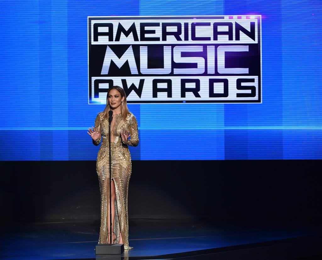 ss-151123-american-music-awards-jpo-01.nbcnews-ux-1024-900