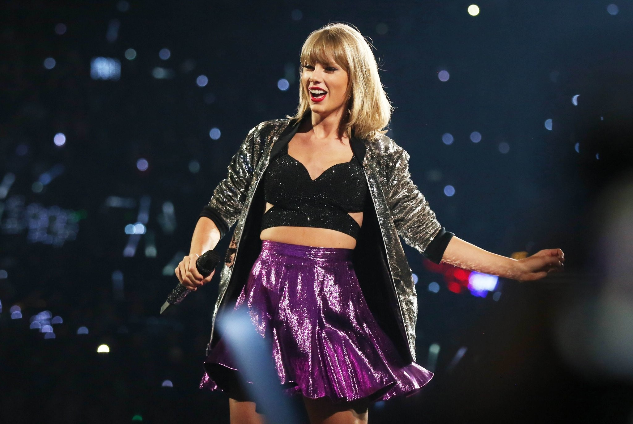 la-et-ms-taylor-swift-1989-tour-highest-grossing-concerts-pollstar-20151230