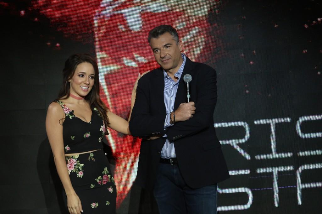 """Η Καλομοίρα, που θα βρίσκεται μαζί με τους διαγωνιζόμενους στο """"Blue Room"""", backstage και ο Γιώργος Λιάγκας, παρουσιαστής του μουσικού talent show """"Rising Star"""""""