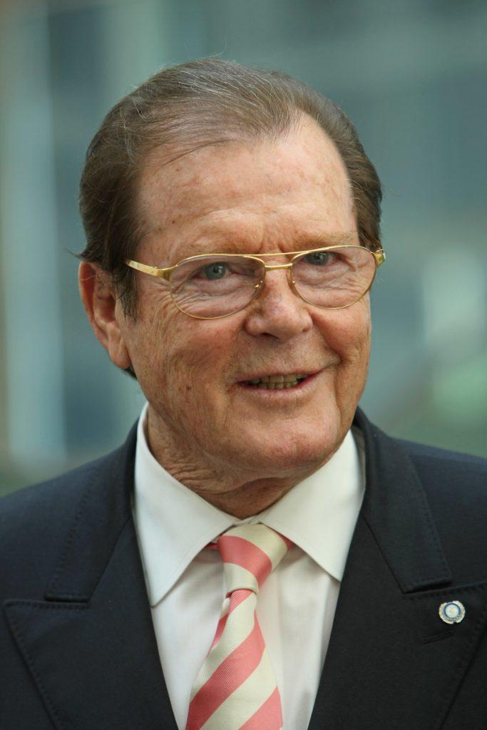 Πέθανε ο Roger Moore