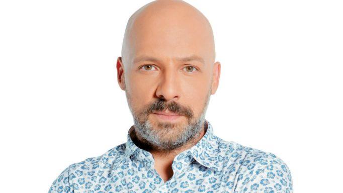 """Νίκος Μουτσινάς ανακοίνωσε το τέλος των γυρισμάτων """"Κάτι Χωρισμένα Παλικάρια"""""""