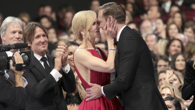Nicole Kidman εξηγεί για πιο λόγο φίλησε τον Alexander Skarsgård